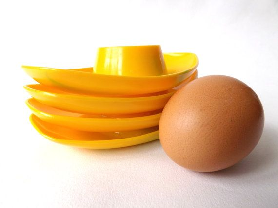 For lovers of Midcentury Sunny Yellow Stacking Egg Cups brighten your mornings for only £6. Bargain!!