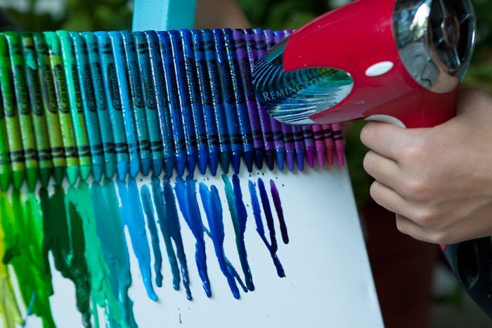 Most fun art project ever.Crayons Crafts, Melted Crayons Art, Kids Crafts, Hair Dryer, Melting Crayons, Crayons Canvas, Crayons Melted, Art Projects, Crayon Art