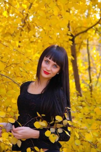 ВалерияОсень - самое красивое и романтическое время года. Как же приятно погулять в парке, насладиться желто-красной гаммой листвы, погреться под теплыми лучиками осеннего солнца...