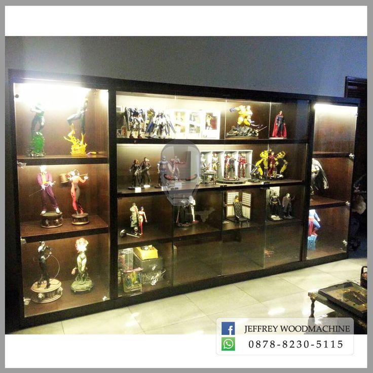 display cabinet, lemari pajangan, lemari pajang kaca, statue, sideshow, xm studios, quarter scale