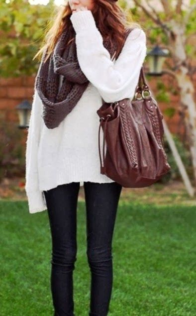 Casual fall outfits with oversized sweater and scarf