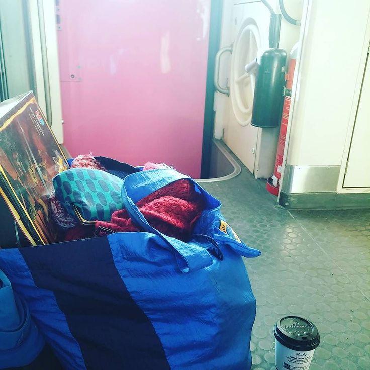 Shared by nnannanna #heroquest #microhobbit (o) http://ift.tt/2mCwmFm matkustamista. #vr #junanrappusissa #coffee  #hittomikämeteli