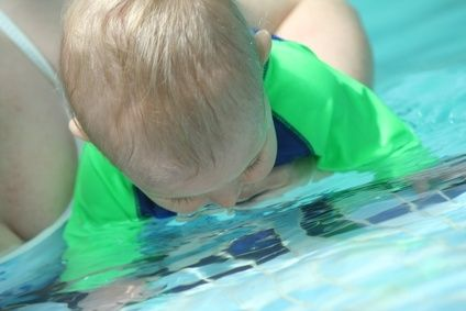 Games for Moms  Tots During Swimming Lessons