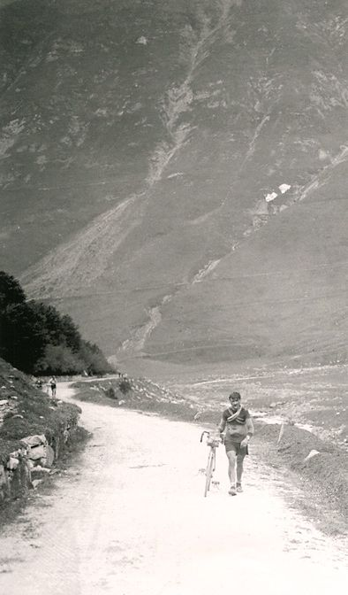 ....Noel Amenc walks up the Pyrenean stage to Luchon, 1920