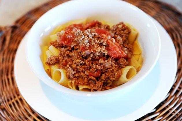 Pasta alla Marlboro Man | The Pioneer Woman Cooks | Ree Drummond (Rigatoni with a Meaty Tomato Sauce)