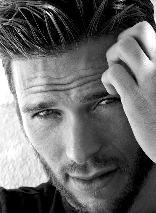 Scott Eastwood son of Clint Eastwood , born March 21st 1986  A Pisces / Aries cuspie
