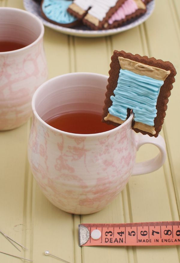 Gingerbread Biscuit Recipe molliemakes.com