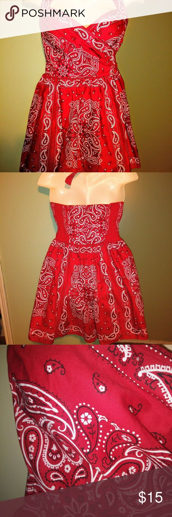 Halter dress size 6 by Laundry Super cute bandana style size 6 with halter tie top laundry  Dresses Backless