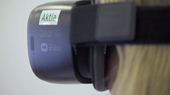 Asunnon virtuaaliesittelyssä voi istua vaikka sohvalla, kunhan liikuttaa silmiä