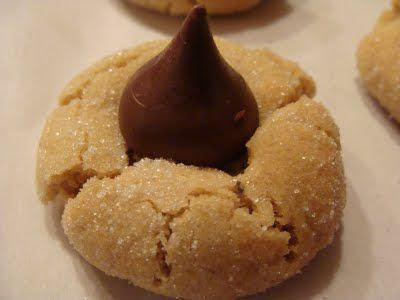 Peanut Butter blossoms - Christmas cookie recipe i like