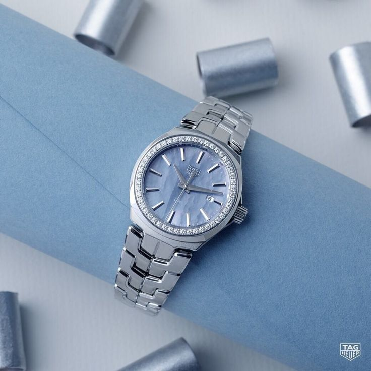 #regram @tagheuer Feminine style and flawless design, the TAG Heuer Link Lady Diamonds will undoubtedly add some sparkle to your daily routine. #mazzucchellis #jeweller #jewellery #mazzucchellisjeweller #DontCrackUnderPressure #tagheuerlinklady #tagheuer #tagheuerwatch #watch #watches #swisswatch #gift #giftidea #blue #luxury #style #forhim #forher