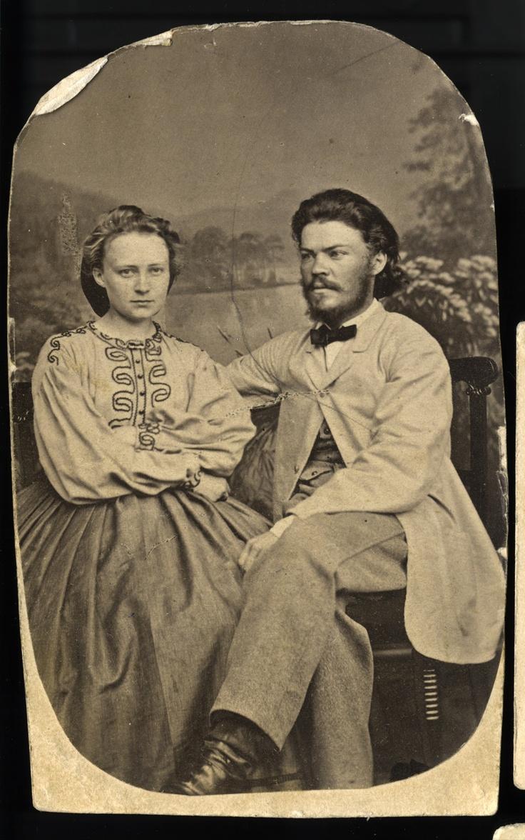 Minna Canth ja hänen miehensä J. F. Canth luultavasti kihlajaiskuvassaan. -  Minna Canth and her husband J. F. Canth, propably their engagement photo.
