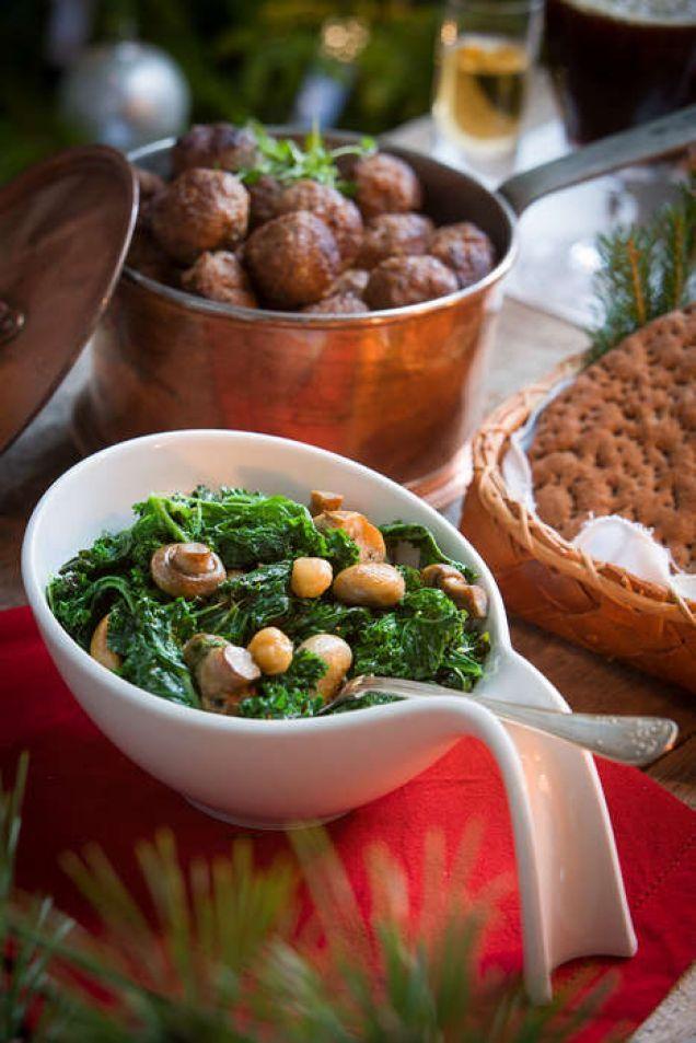Älgköttbullar med grönkål och timjan