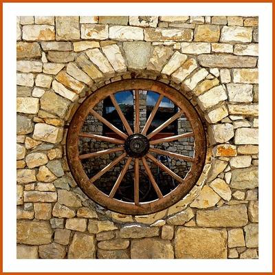 """Wagen Wheel """"kitchen"""" window!!!"""