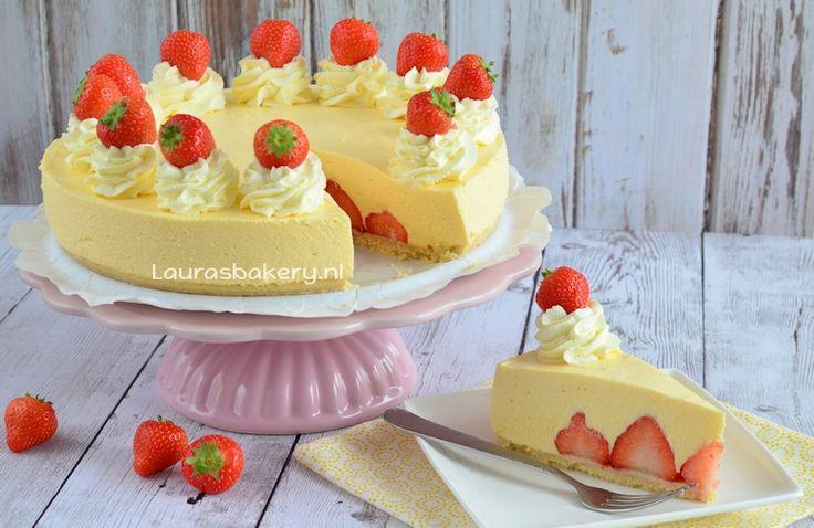 Kwarktaart Mango met aardbeien - Laura's Bakery