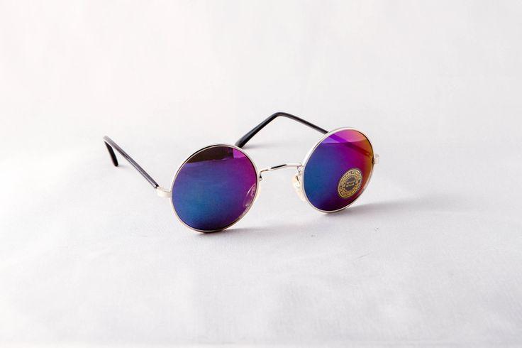mirrored circle sunglasses  Image of Mirrored Circle Sunglasses