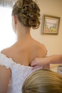 List of items that a Bride's Personal Attendant does in a Wedding