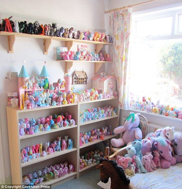 My Little Pony S Biggest Fan Accounts Assistant Who Has Dedicated Pony Room For 1 000 Strong Collection Worth 20 000 But Her Partner Hasn T Always Been