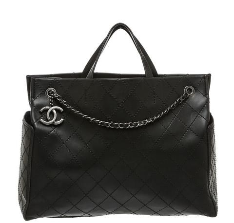 Chanel Small Shopping tote bag in black.   #baghunter