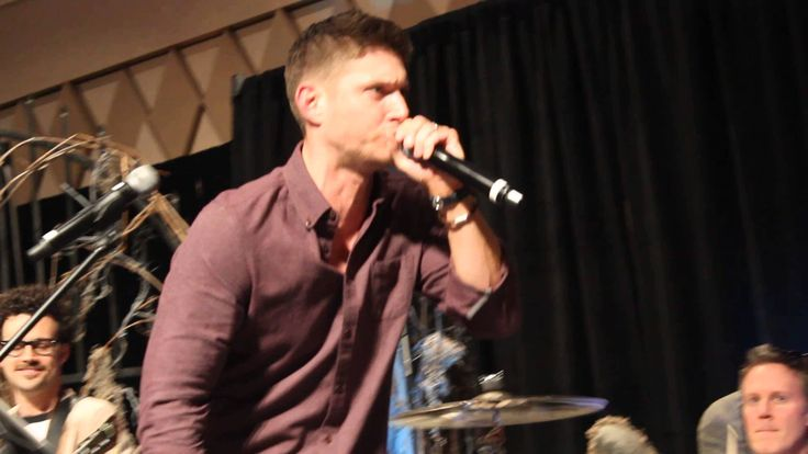 Jensen rapping Ice Ice Baby. (I love the very beginning. Jared's like NO WE ARE NOT DOING THAT! And then Jensen starts anyway, so of course Jared has to join in...)