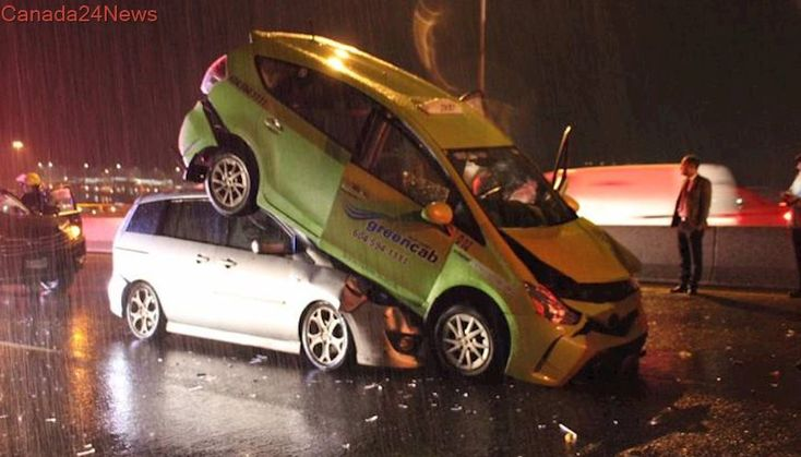 5-car pileup on Alex Fraser Bridge leaves taxi on top of another vehicle