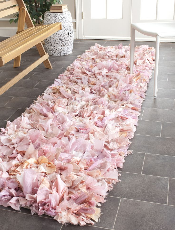 68 best shag images on pinterest shag rugs area rugs and fluffy rug - Cozy white shag rug for the comfortable steps sensation ...