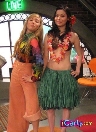 iCarly Carly and Sam | Carly and Sam - iCarly Photo (5379472) - Fanpop fanclubs