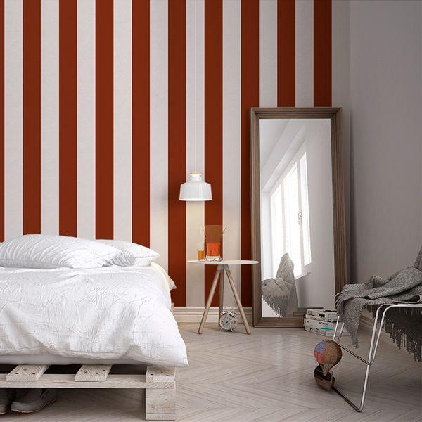 Papel Pintado Rayas Granates y Beige , ideales para decoración paredes, disponibles en nuestra tienda online por tan solo 15,95 € rollo, entrega inmediata