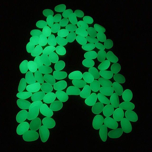 Чьи имена на букву - посвящается . Светящиеся камушки, которые встречаются по тегу #артёмкинBruder, в темноте становятся волшебными. Информацией о них я поделилась с @pro_obzor, кому интересно, добро пожаловать . #артёмке2г4м
