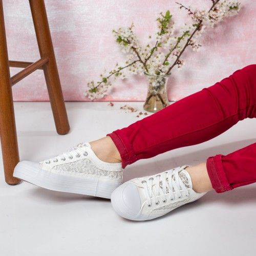 Promotie • Pantofi dama Lucina albi cu dantela casual