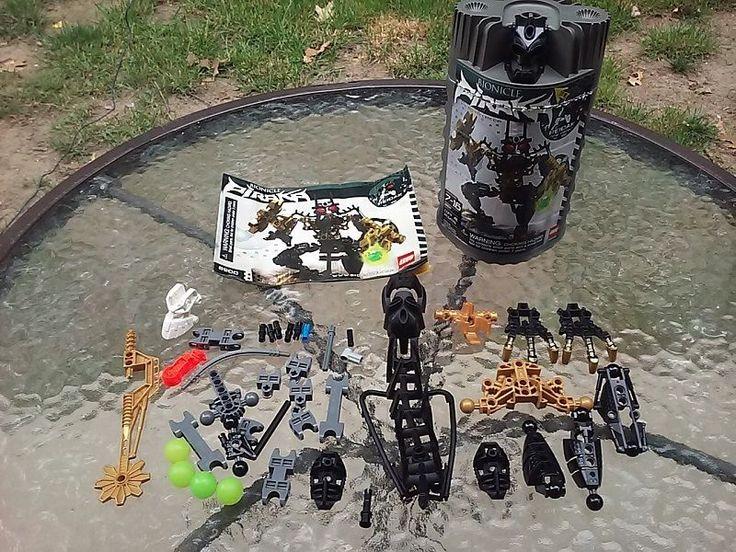 Lego Bionicle Piraka Reidak 8900 Figure Complete Set W Manual And Canister #LEGO