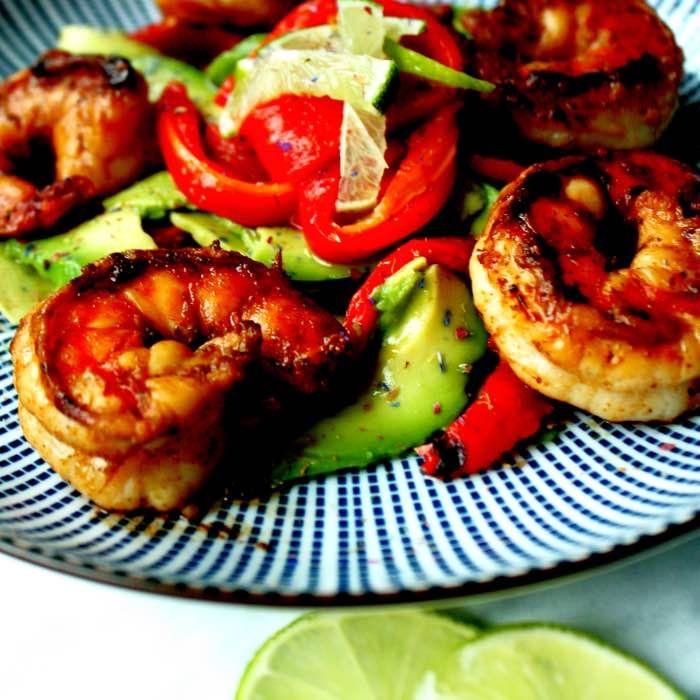 Gamba – Avocado – Gegrilde paprika salade – Foodies in Heels