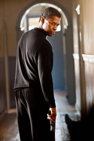 Denzel Washington  Love the bad boy look.