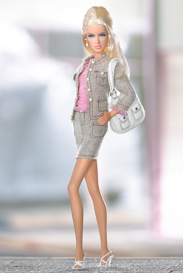 Daria™ Shopping Queen™ doll   Barbie Collector  Designed by: Robert Best  Release Date: 9/16/2005