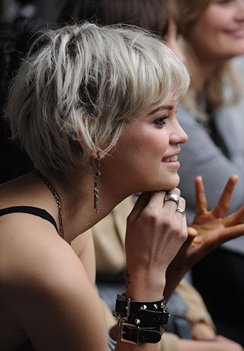 funky grey hair Pixie Geldof.