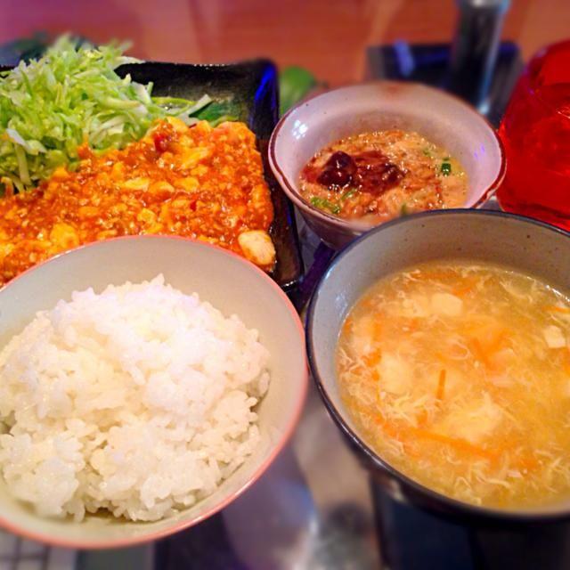 4/11の夕ご飯。麻婆豆腐、タマゴスープ、トロロ納豆、白米。 - 12件のもぐもぐ - 麻婆豆腐!!! by mru