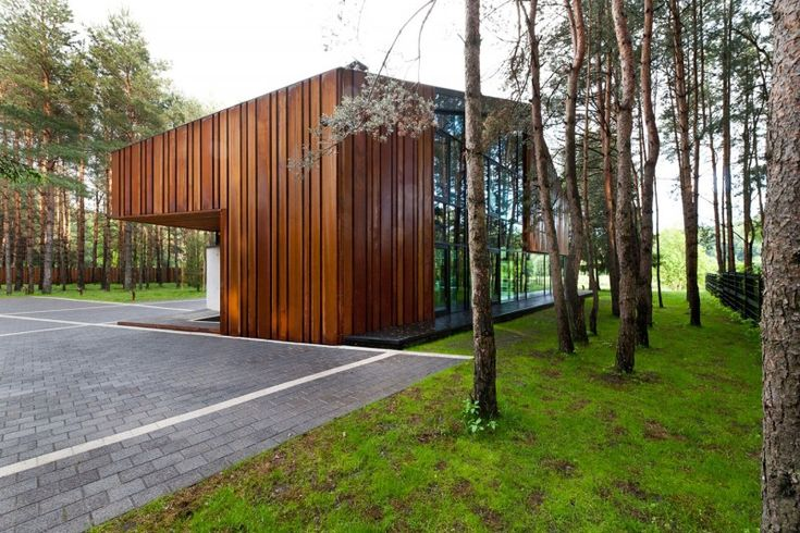 A House in the Woods of Kaunas by Studija Archispektras | HomeDSGN