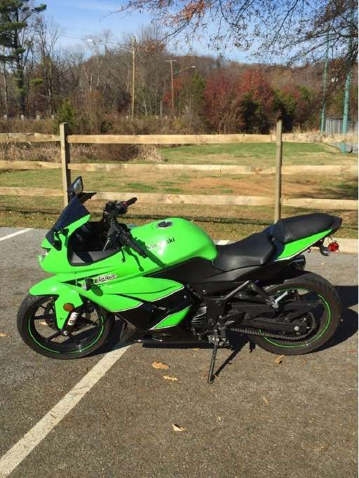 Check out this 2011 Kawasaki Ninja 250R listing in Oxon Hill, MD 20745 on Cycletrader.com. It is a Sportbike Motorcycle and is for sale at $2700.