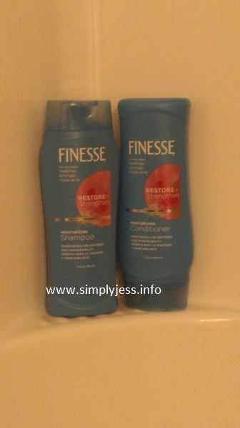 I loved using this Finesse shampoo and conditioner  #finessehaircare  Have you tired it yet?  #sponsoredpost