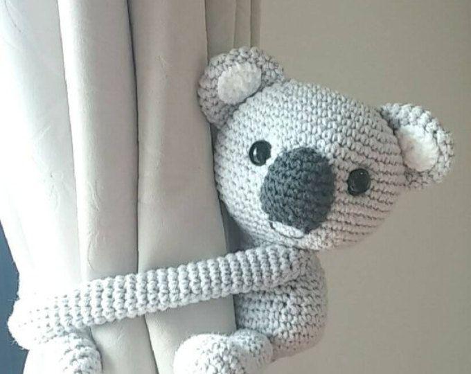1000 id es sur le th me rideaux en crochet sur pinterest - Hauteur d un rideau par rapport au sol ...