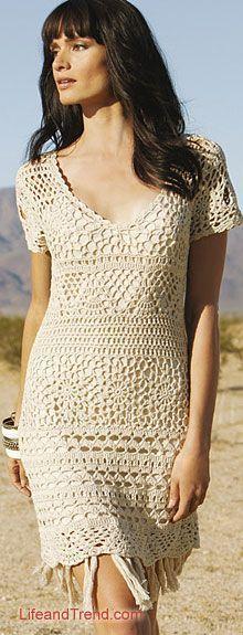 Lindo vestido de crochê, que também pode virar blusa. É só diminuir o comprimento.
