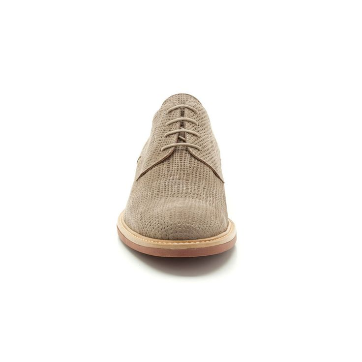 These classic smart casual men's shoes take a well-loved silhouette and add a fashionable twist in taupe leather. Featuring a lace fastening, the upper is stitched to the sole for a crafted look.