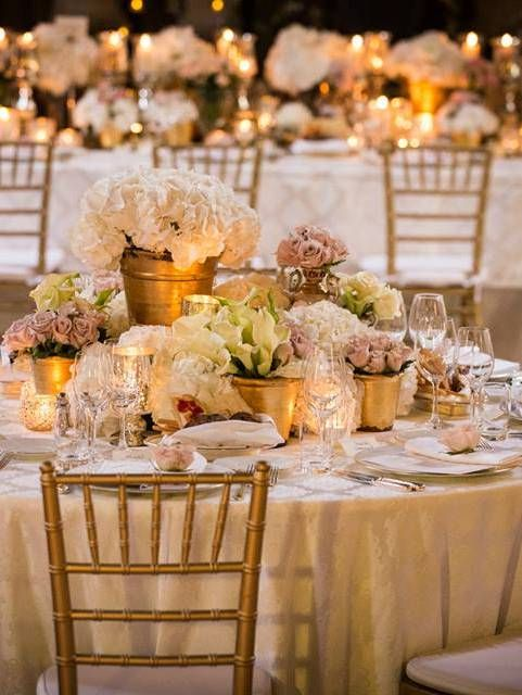 Four Seasons Florence tablescapes are pretty in pastels.