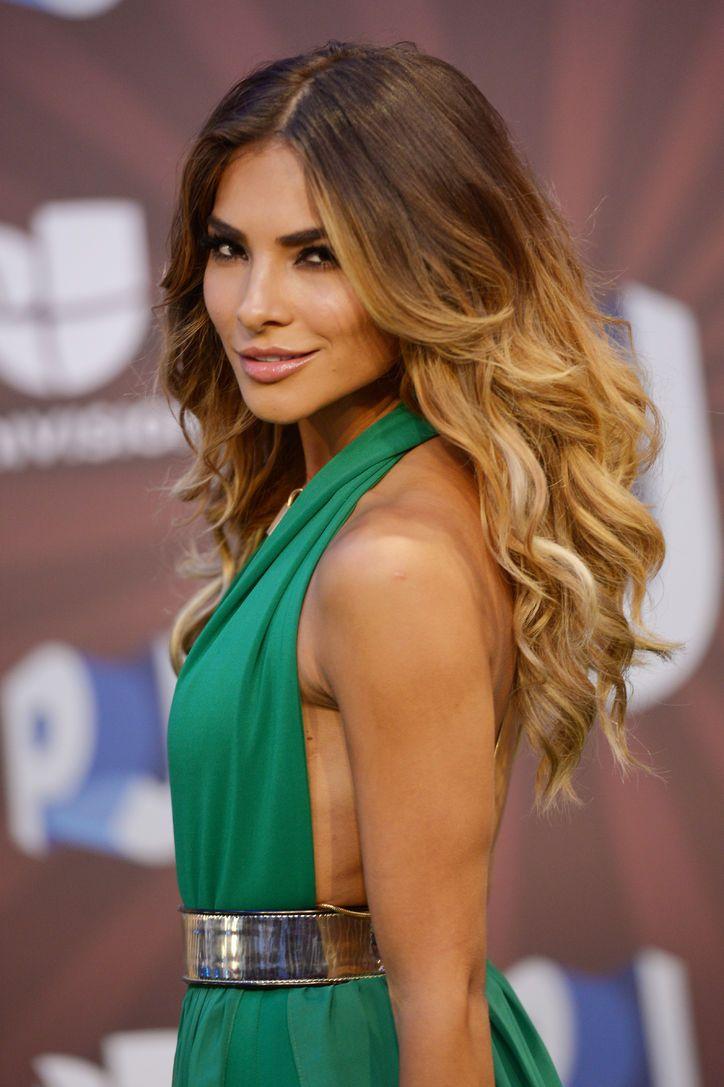 Alejandra Espinoza's beautiful hair and makeup