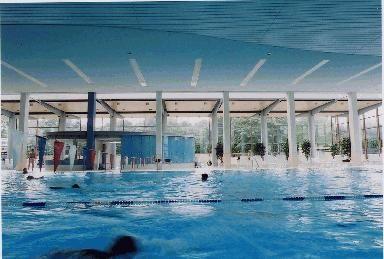Kraulen Sie durch das 25-m-Sportbecken, entspannen Sie im Whirlpool, in der Dampfkabine oder in der modernen Saunalandschaft. Steigern Sie gelenkschonend Ihre Fitness bei der Wassergymnastik oder wagen Sie ein Abenteuer auf der 84-m-Wasserrutsche im Hallenbad.  Das Michaelibad ist ein Paradies für Fitness- und Wellnessfans, für Sport und Badespaß mit der ganzen Familie und setzt neue Maßstäbe in Sachen Badevergnügen. Hier fühlen sich auch die Jüngsten wohl: ob beim Planschen in der…