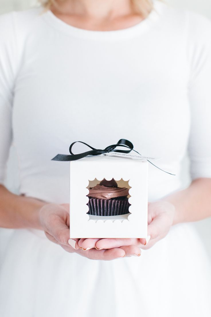 Goodnight Kisses Cupcake Wedding Favors... I don't want cupcakes, but the packaging on this is perfect! #thetomkatstudio