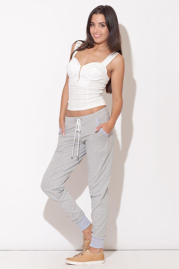 https://galeriaeuropa.eu/spodnie-dresowe-damskie/300030078-spodnie-damskie-model-k095-grey