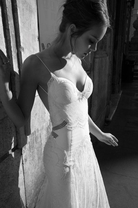Rochie de mireasa sirena cu spatele gol