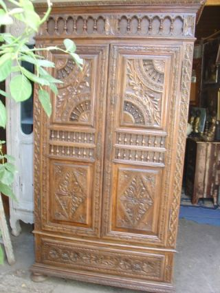 petite armoire bretonne en ch ne epoque 1900 toulouse antiquit s brocante en ligne puces d 39 oc. Black Bedroom Furniture Sets. Home Design Ideas