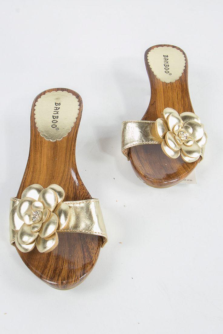 Bamboo sandalias doradas